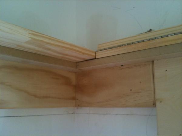 Craftsman Trim Detail, Hinged Display Rail