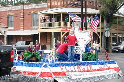 Historic Inn Preservation 2006 parade resized 600