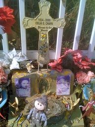 House Memorial cross