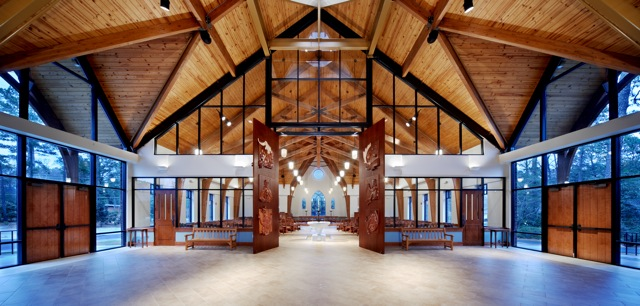 narthex_-_holy_trinity_episcopal,_nc.jpg