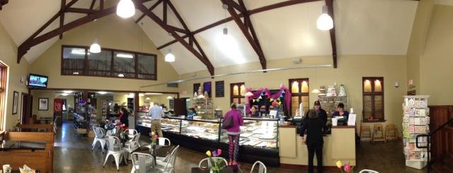 Adaptive-Reuse-Church-to-Bakery-interior_panno