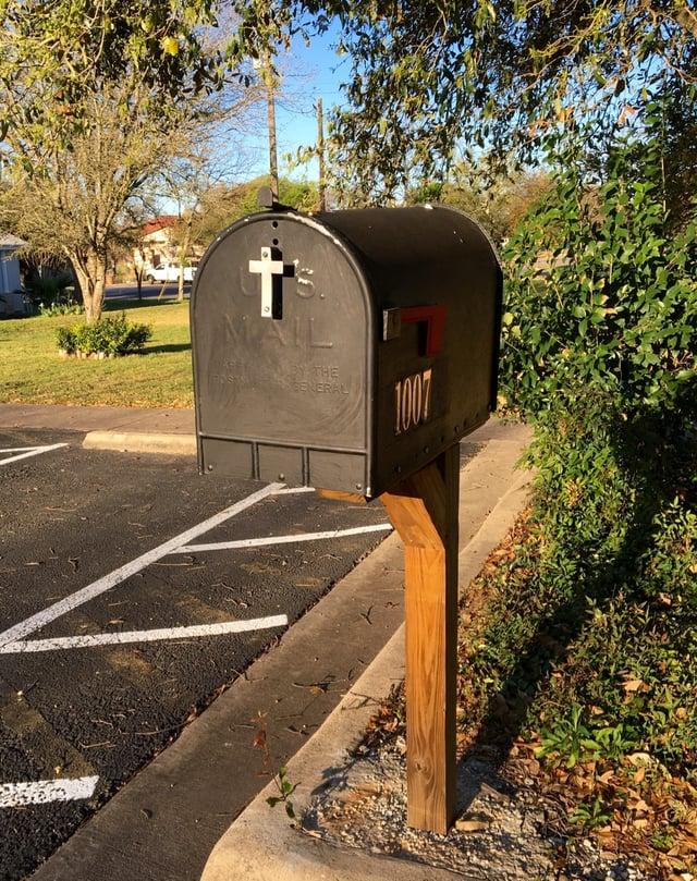 Austin 517 Mailbox.jpg