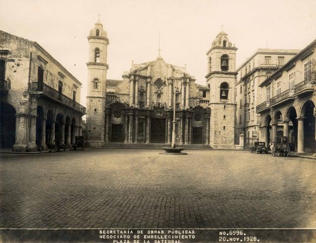 Plaza-de-la-Catedral-1928.jpg
