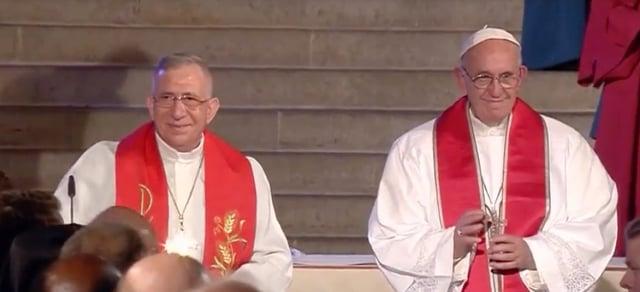 Pontif and Bishop Younan.jpg