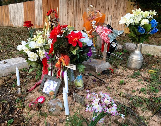Roadside Memorial An Ofrenda In East Austin