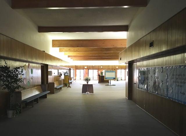Cameron_Road_Church_of_Christ_Interior_Foyer.jpg