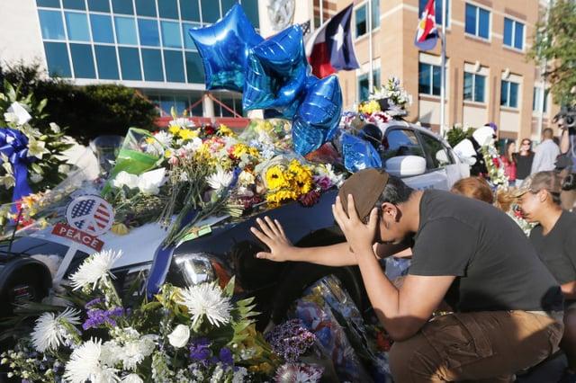 Dallas_Officers_Shrine.jpg