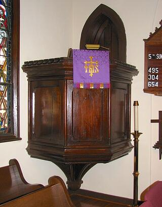 Episcopal_Pulpit.jpg