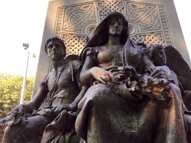 Erin_John_Boyle_OReilly_monument.jpg