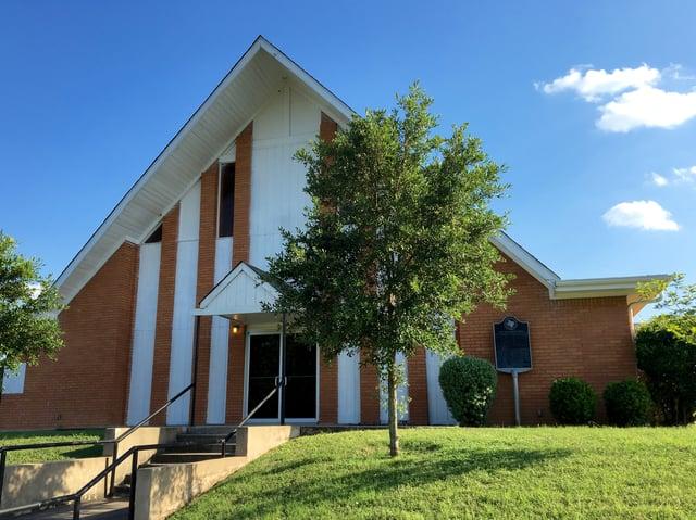 First_Baptist_front_facade.jpg