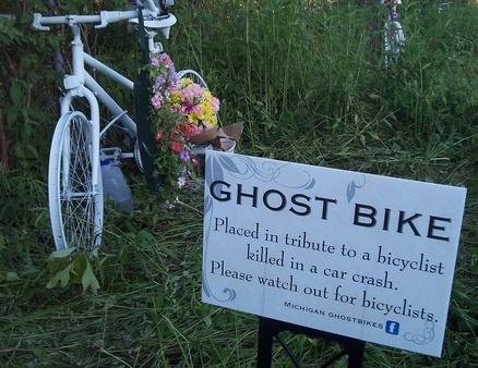 Ghost_Bike_w_Sign-258599-edited.jpg