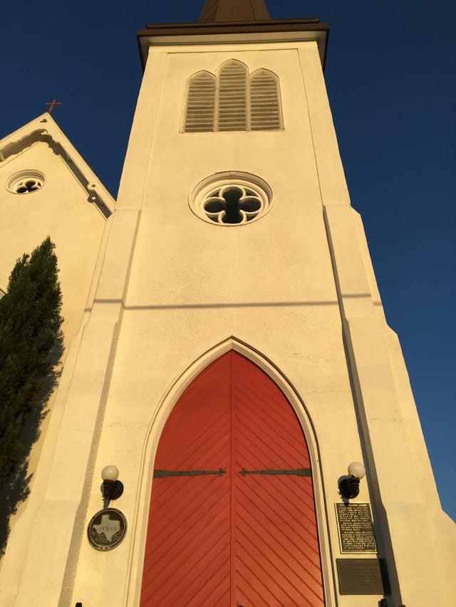Grace_Cuero_Red_Door.jpg
