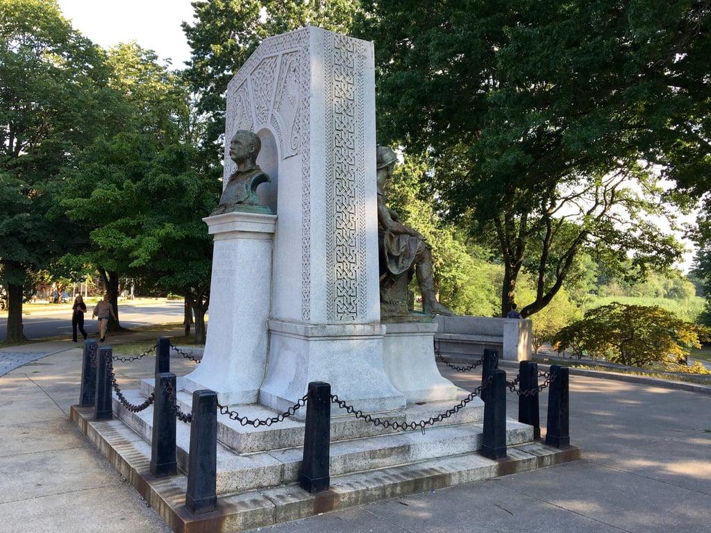 John_Boyle_OReilly_monument.jpg