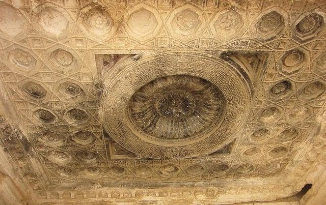 Palmyra_Temple_Bel_South_Ceiling-1.jpg