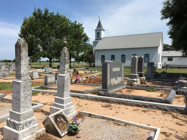 Prairie_Valley_Cemetery_and_Church.jpg