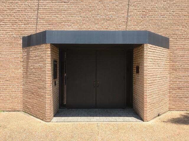 Rothko_Entry_Doors.jpg