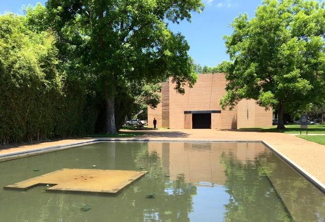 Rothko_Reflecting_w_Pond_Obelisk_foundation.jpg