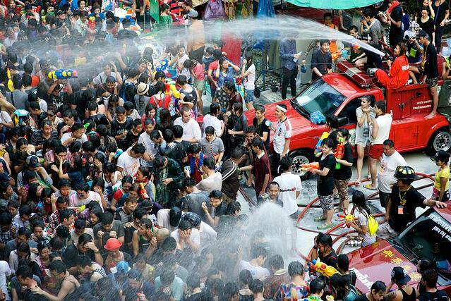 Songkran-Water-Festival-Thailand-5-1024x684.jpg