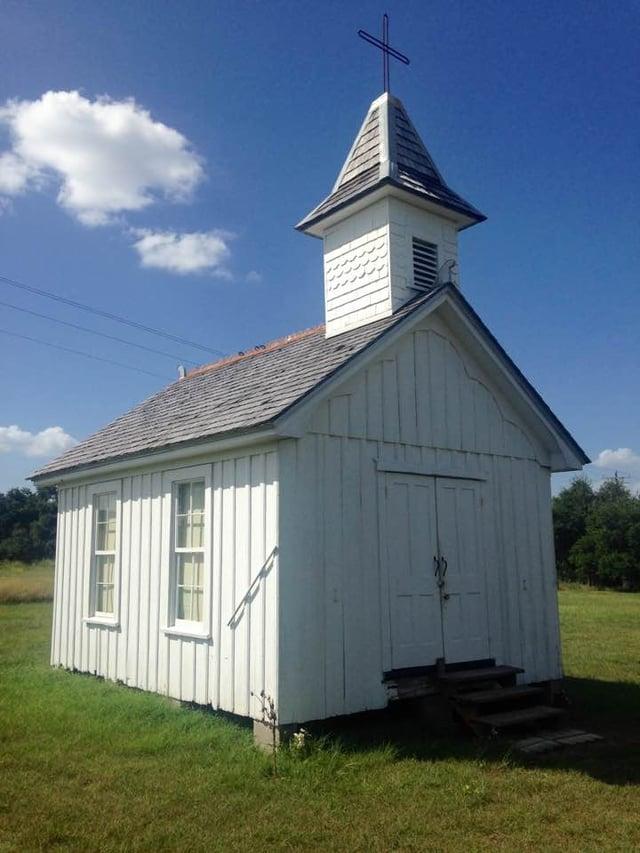 St_Martin_worlds_smallest_church.jpg