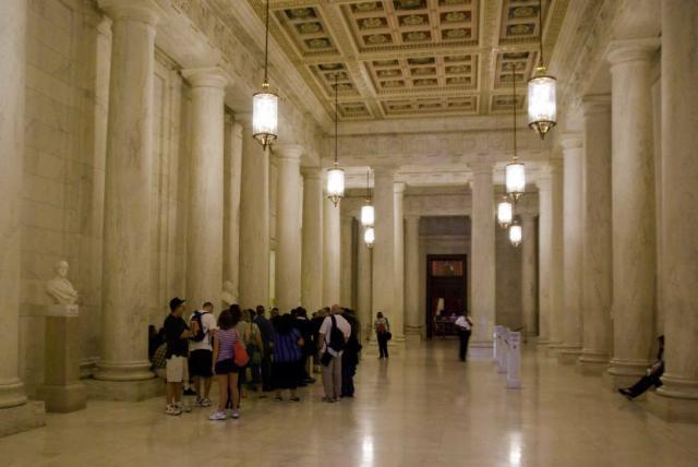 Supreme_Court_Great_Hall.jpg