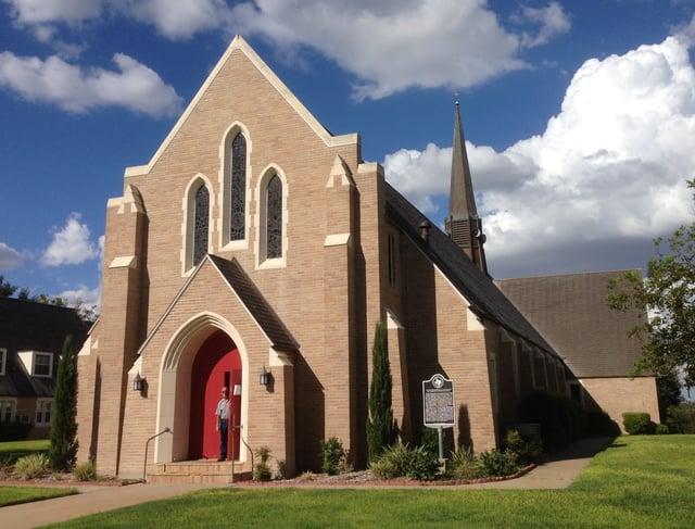 United_Lutheran_Shiner_Red_Church_Door.jpg