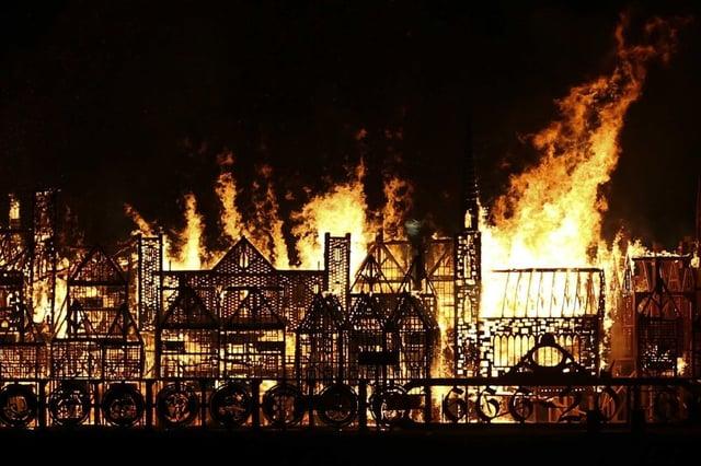 london_replica_burns.jpg