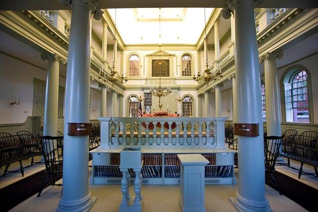 synagogueinterior2009.jpg
