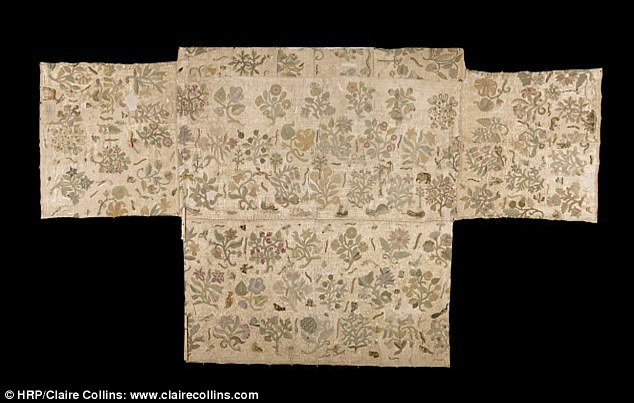 Altar Cloth Traced To Queen Elizabeth's Fashion