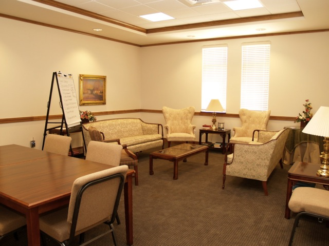 Christ_Episcopal_Church_Temple_Meeting_Room.jpg