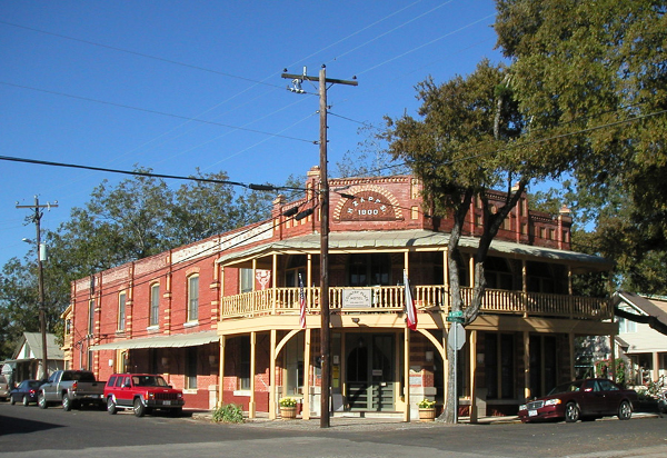 Country_Place_Hotel_Front.png