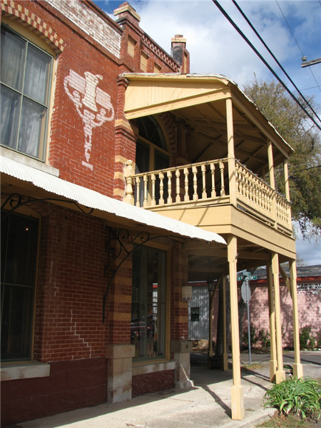Country_Place_Hotel_Side_View.png