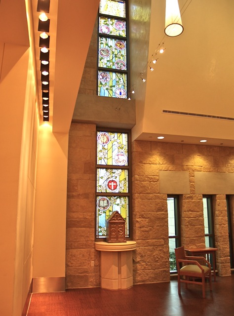 Dell_Maxwell_Chapel_Interior2.jpg
