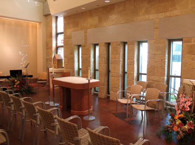 Dell_Maxwell_Chapel_Interior4.jpg