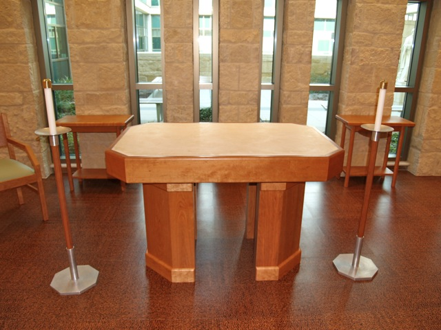 Dell_Maxwell_Chapel_Table.jpg