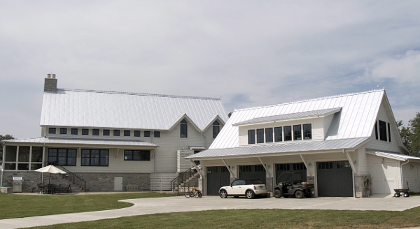 Fayette_County_Farm_House_Exterior_House_and_Garage.png