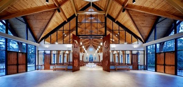 Narthex_-_Holy_Trinity_Episcopal_NC.jpg