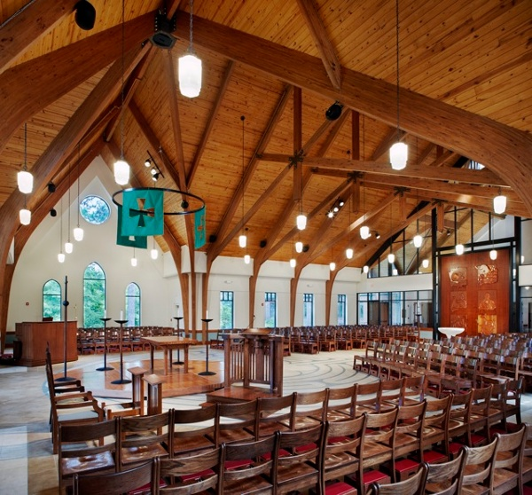 Transept_Crossing_-_Holy_Trinity_Episcopal_NC.jpg