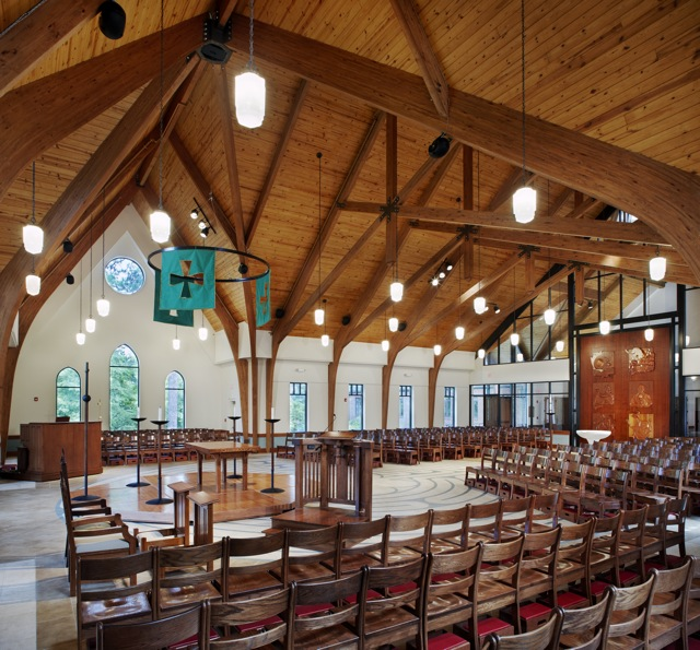 Transept_Crossing_-_Holy_Trinity_Episcopal_NC.jpg