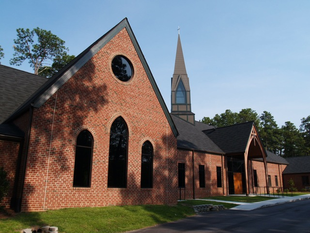 Transept_Gable_-_Holy_Trinity_Episcopal_NC.jpg