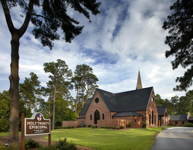 View_from_Raeford_Road_-_Holy_Trinity_Episcopal_NC.jpg
