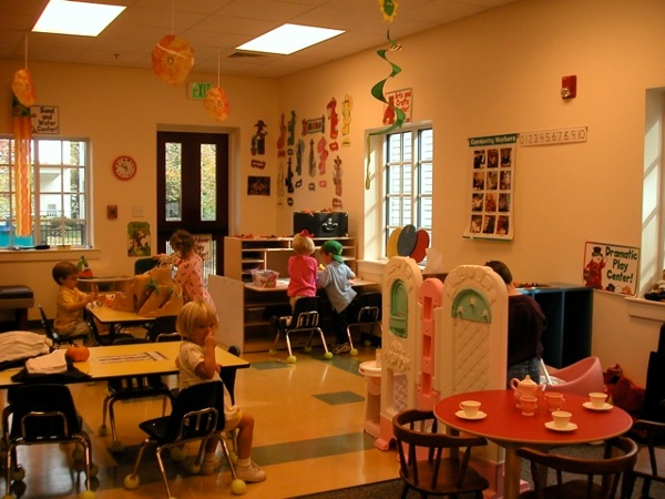 St_Peter_Episcopal_pre_school_classroom.jpg