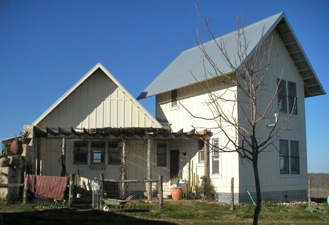Texas_Green_Farmhouse_Front_View.jpg