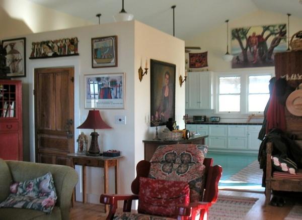 Texas_Green_Farmhouse_Interior.jpg